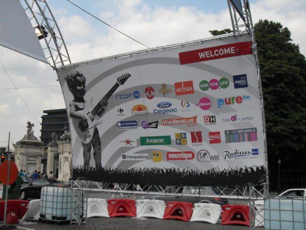 bâche festival sur structure aluminium