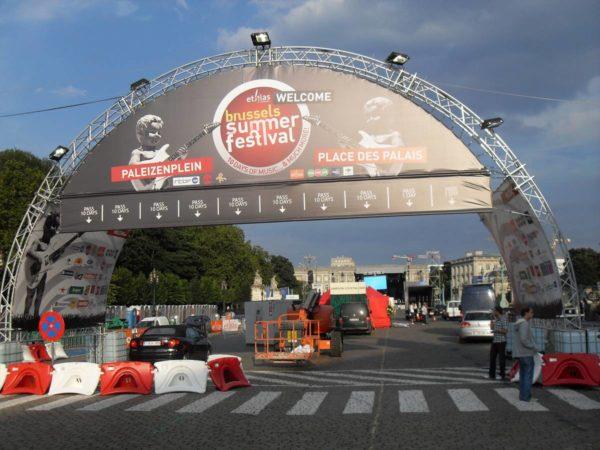 bâche demi circulaire festival
